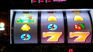 お金がないときスロット,ギャンブルでお金を稼げる?