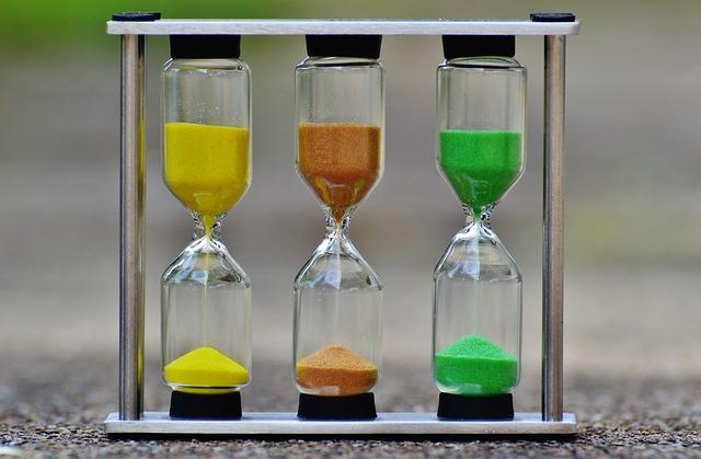 hourglass-1288828_640