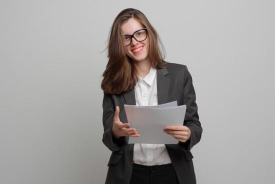 在籍確認を書類審査で実施する